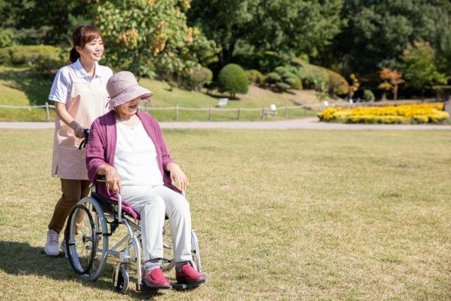 老健から在宅復帰後に居宅サービスを併用する