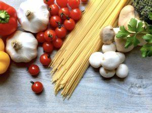 一般家庭でも作れる老人の食べやすい食事メニュー【考察する】